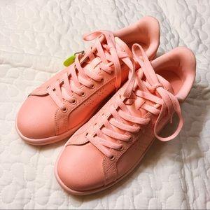 NWT! ADIDAS women's CLOUDFOAM sneakers